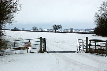 Entrance_to_Pike_Hall_Farm_in_the_snow_-_geograph.org.uk_-_1656745
