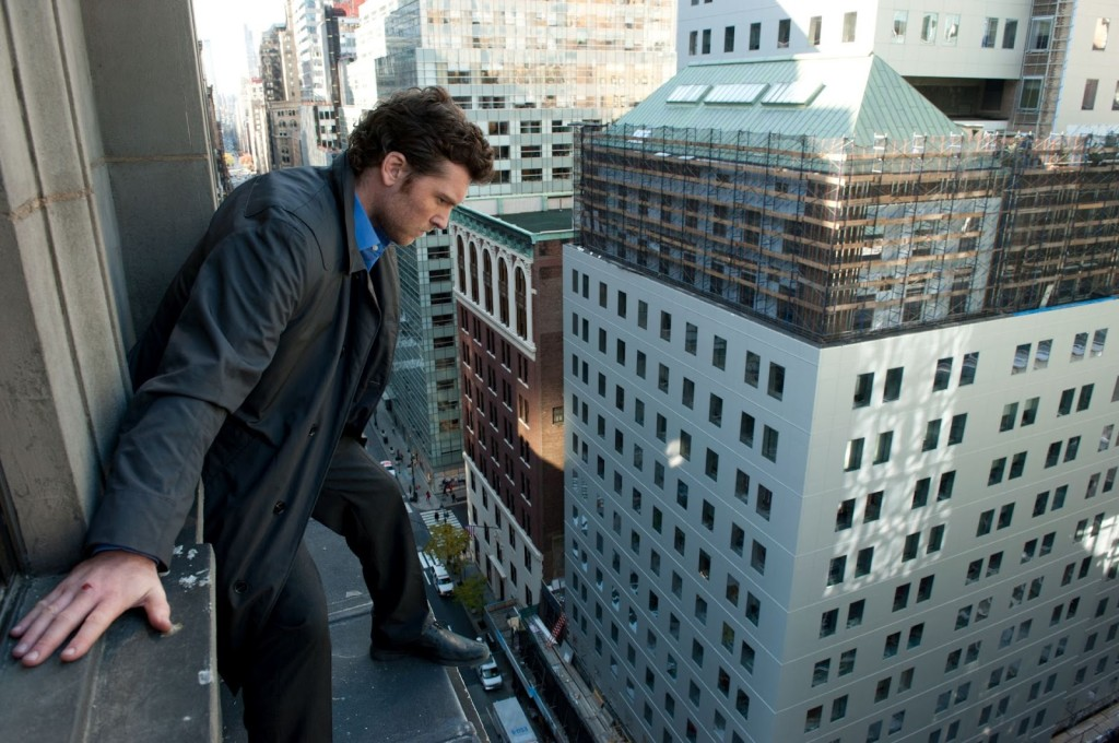 man_on_a_ledge_010